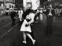 Times Square kiss