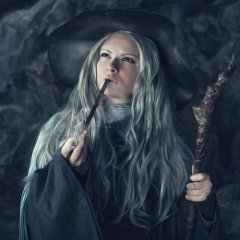 Women Cosplay as Male Characters from The Hobbit