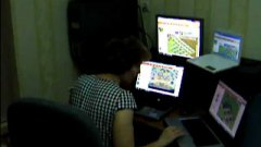 Gamer Mom Plays Farmville On Four Computers At Once