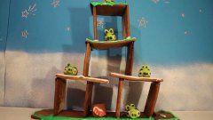 Angry Birds Gingerbread House Time Lapse