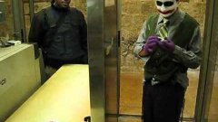 The Joker Goes Through Security At The Western Wall