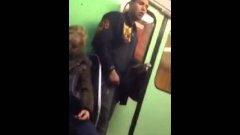 Gipsy guy stealing iPhone on hungarian metro