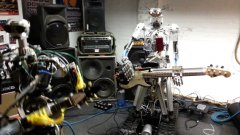 Robot band plays heavy metal