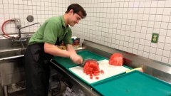 Man cuts up watermelon in 20 seconds