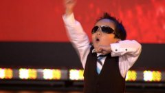 Four year old performs 'Gangnam Style' on Belgium's got talent