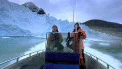 Arctic Glacier Collapses Near Boaters