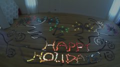 Holiday Dominoes Show Using 2,000 iPhones