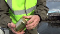 Way To Open Canned Food With Bare Hands