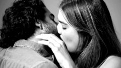 Twenty Strangers Kiss For The First Time