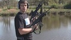 Russian Man Shows Off M16′s