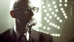 Moby - Raining Again (live)