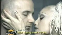 Moby feat. Gwen Stefani - South Side
