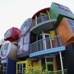 http://all-that-is-interesting.com/wordpress/wp-content/uploads/2012/08/tokyo-architectural-marvels-reversible-lofts2.jpg