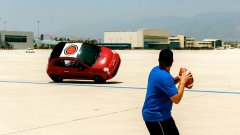 Dude Perfect Performs Trick Shots Using Stunt Driven Fiat 500′s