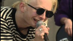 Radiohead - Creep (live on MTV Beach House)