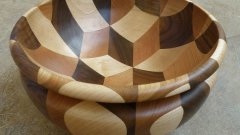Woodworker Makes 3D Cube Illusion Wooden Bowl